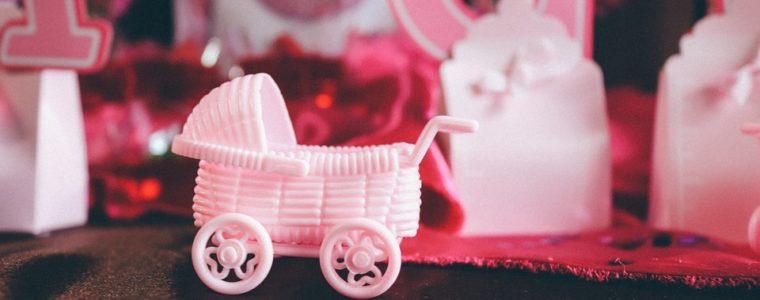 Így szervezz tökéletes babaváró bulit: ötletek, játékok, ajándékok